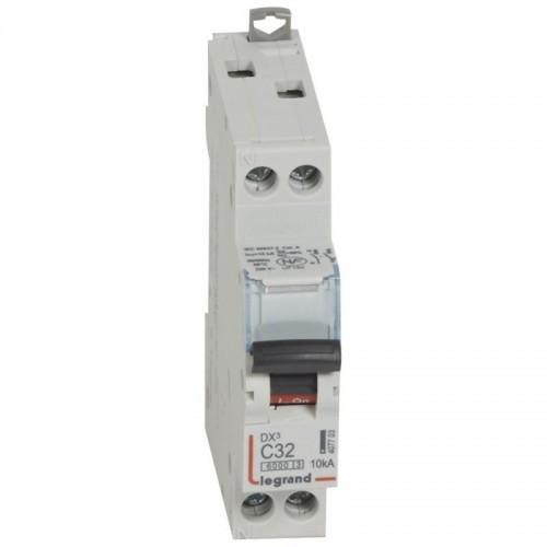 Disjoncteur DX3 6000 10kA arrivée haute et départ bas à vis U+N 230V~ - 32A courbe C Legrand Réf: 407703