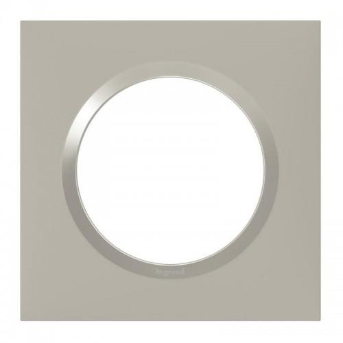 Plaque de finition simple carrée Plume Legrand Dooxie Réf: 600821