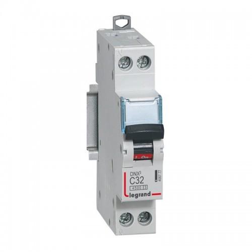 Disjoncteur Phase + Neutre DNX3 4500 6kA arrivée et sortie borne à vis - 1P+N 230V 32A courbe C Legrand Réf: 406777