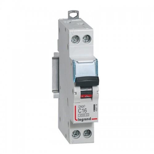 Disjoncteur Phase + Neutre DNX3 4500 6kA arrivée et sortie borne à vis - 1P+N 230V 16A Courbe C Legrand Réf: 406774