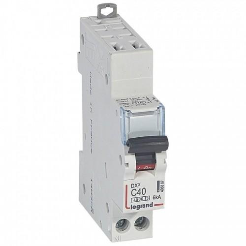 Disjoncteur Phase + Neutre DNX3 4500 6kA auto/vis 1P+N 230V~ 40A courbe C Legrand Réf: 406887