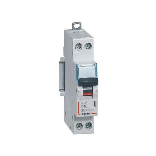 Disjoncteur 40A DX3 4500 vis/vis U+N 230V~6KA courbe C Legrand Réf: 406873