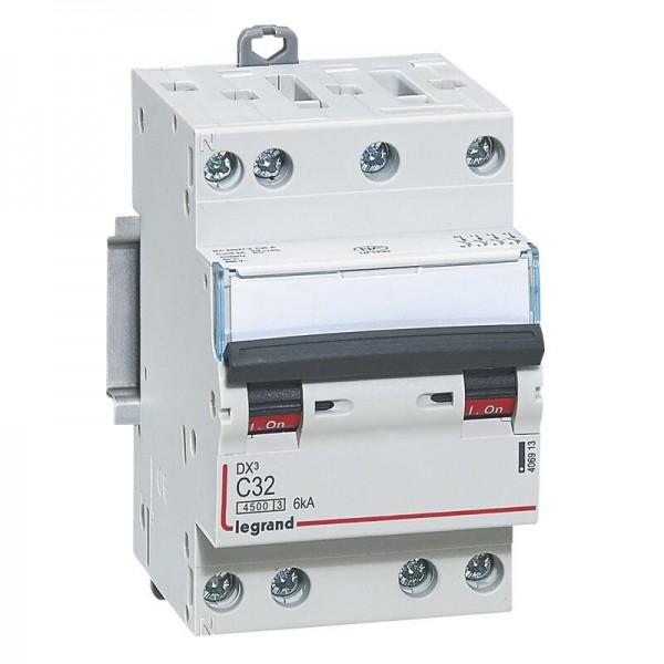 Disjoncteur 32A DNX3 4500- 6kA courbe C tétrapolaire arrivée et sortie à vis 3 modules Legrand Réf: 406913