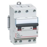 Disjoncteur 32A DNX3 400V 4500- 6kA courbe C tétrapolaire arrivée et sortie à vis 3 modules Legrand Réf: 406913