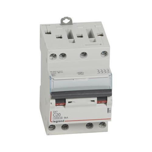 Disjoncteur DNX3 20A 400V courbe C 4500-6kA arrivée et sortie à vis tétrapolaire 3 modules Legrand Réf: 406911