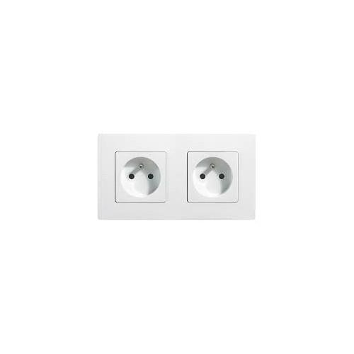 Double prise de courant 2P+T Niloé Complet Blanc Legrand Réf. 664745