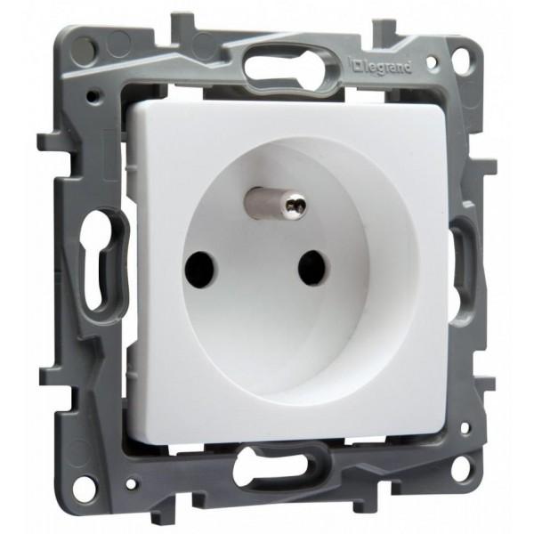 Prise de courant 2 P+T Blanc 16A Niloé Legrand - Réf: 664735