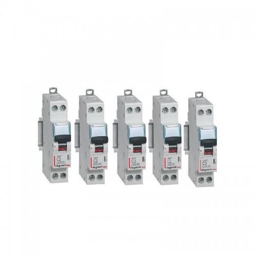 Lot de 5 Disjoncteurs Phase + Neutre DNX3 4500 6kA arrivée et sortie borne à vis - 1P+N 230V 2A Courbe C Legrand Réf: 406771