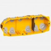 Ecobatibox Boîte d'encastrement 3 postes 6 à 8 modules isolée prof 40mm entraxe 71mm Legrand Réf: 080023
